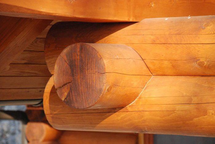 Lesena brunarica na Krvavcu
