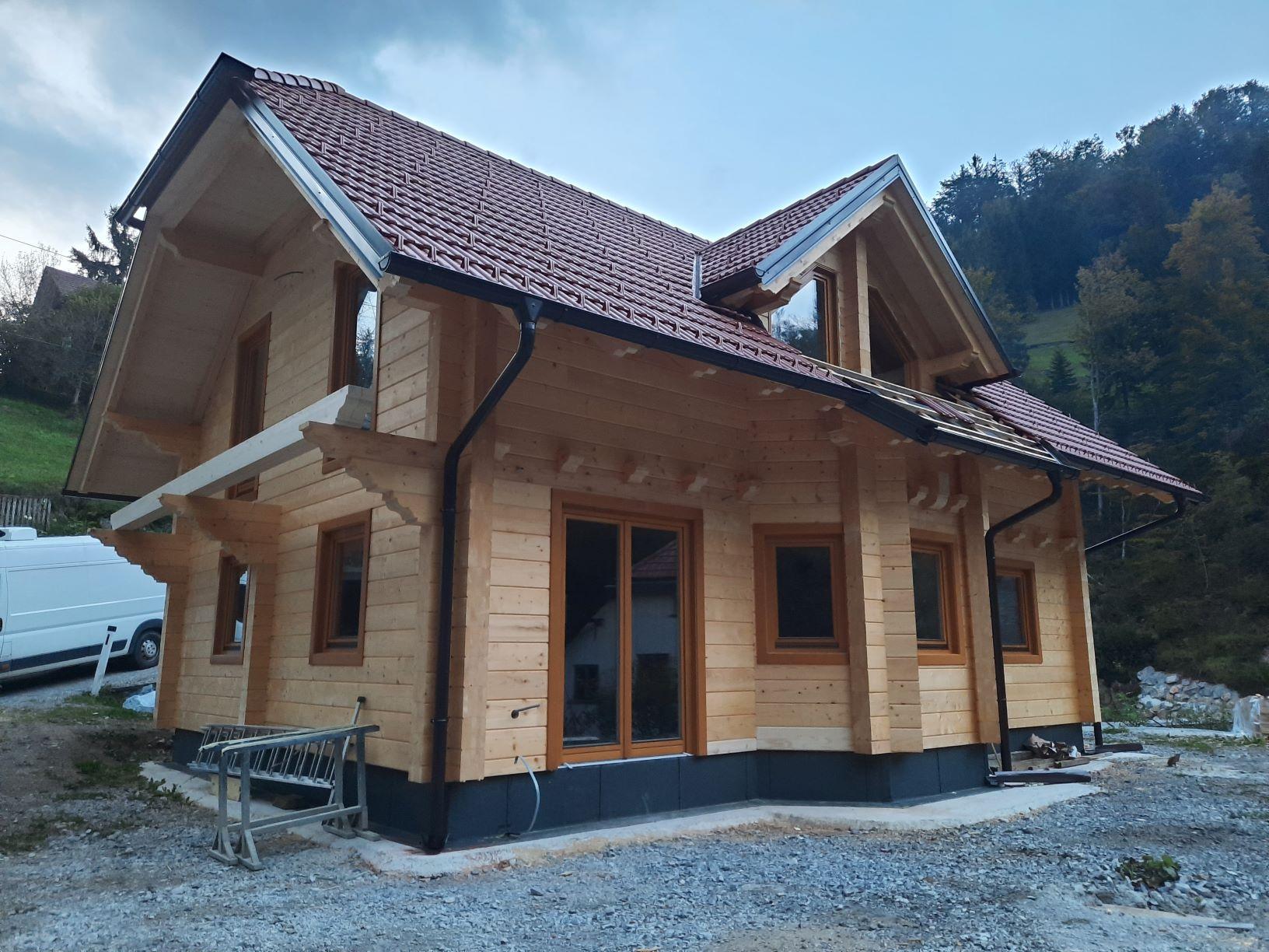 Lesena hiša ravna bruna